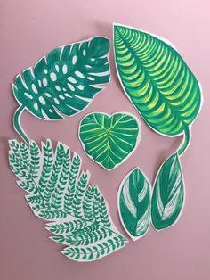 Green love . #botanicalillustration #botanical #leaves #illustration #spring #april #greenlove #freelanceartist #freelancelife #plantes #drowning #romanianillustrator #ig_bucharest #loreta #loretaisac #illustrationow #guashe #guashepainting #hendrawing #holbein #cannalily #aroidaddicts #kewgardens #monsteradeliciosa #greenlife Diy Garden Projects, Cool Diy Projects, Garden Design Ideas Videos, Plant Aesthetic, Monstera Deliciosa, Small Space Gardening, Kew Gardens, Tree Wedding, Shade Plants