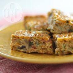 Torta de temperos @ allrecipes.com.br - Torta de temperos bem fácil de fazer. Se quiser, você pode misturar presunto picado, frango desfiado, cenoura, milho, ervilha, etc... Eu gosto de colocar linguiça calabresa.