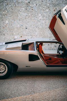 Classic Sports Cars, Classic Cars, Lamborghini, Ferrari, Valentino Balboni, Motorcycle Design, Automotive Design, Old Cars, Concept Cars