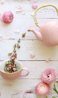 Tea time at pink cottage good morning girls, monday morning, tea Frühling Wallpaper, My Cup Of Tea, Everything Pink, Pink Aesthetic, Cute Wallpapers, Flower Art, Pretty In Pink, Flower Power, Tea Time