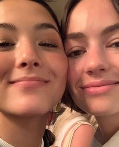 Casey Atypical, Brigette Lundy Paine, Barbie Ferreira, Film Reels, First Tv, Lesbian Love, Romance, Just Girl Things, Series Movies