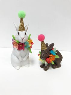 Bunny Birthday Cake topper- incldues two bunnies, Animal Cake Toppers, Birthday Cake Rabbit Topper - These little bunny cake toppers is sure to bring that special touch to your little one's birthday - Bunny Birthday Cake, Birthday Cake With Flowers, Happy Birthday, Birthday Cake Toppers, Birthday Table, Animal Birthday, Plastic Animal Crafts, Plastic Animals, Fiesta Theme Party