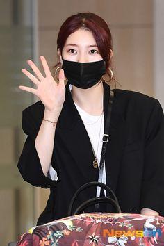 Bae Suzy, Asian Beauty, Pretty, Hair, Dramas, Korean, Singer, Amazing, Korean Language