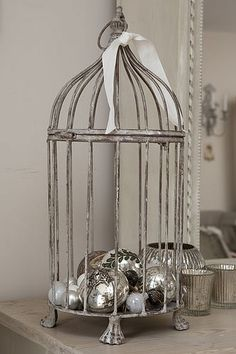 Details - ornaments in birdcage (Shabby, Noel)