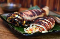 Inihaw na Pusit (Grilled Squid). Jumbo squid stuffed with tomatoes and onions marinated with sweet and tangy sauce and then grilled to perfection. Filipino Recipes, Asian Recipes, Healthy Recipes, Ethnic Recipes, Filipino Food, Filipino Dishes, Asian Foods, Healthy Food, Seafood Dishes