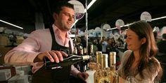 Le Figaro Vin vous offre vos places pour assister au prochain salon des Vignerons Indépendants de Paris. En ce dernier week-end de mars venez retrouver les 576 vignerons de 12 régions différentes venus vous présenter des centaines d'appellations Porte de Champerret : http://avis-vin.lefigaro.fr/magazine-vin/agenda/o111080-salon-des-vins-des-vignerons-independants-de-paris