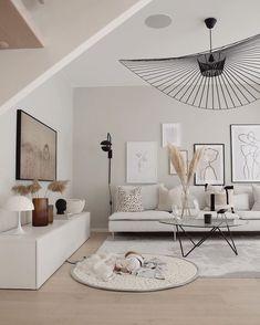 modern traditional decor - Home decor - Wohnzimmer Living Room Trends, Living Room Art, Living Room Inspiration, Living Room Modern, Interior Design Living Room, Home And Living, Living Room Designs, Small Living, Beige Living Rooms
