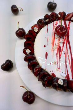 """Fantastik """"Cerise dragée"""" réalisé par le Chef Christophe Michalak lors du cours Exclusif Michala à la Michalak Masterclass.  Lien vers la recette : tmblr.co/ZtcFco1IPS96w"""