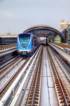 Dubai Metro ..rh