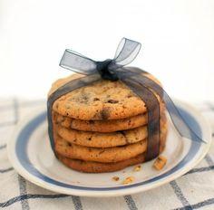 Chocolate chunk cookies eli amerikkalaiset suklaakeksit