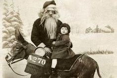 These 30 Creepy Vintage Santa Claus Photos That Will Give You Nightmares