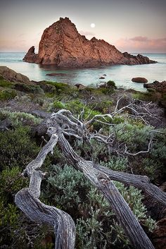 Moonset at Sugarloaf Rock, Yallingup, Western Australia Melbourne, Sydney, Great Barrier Reef, Western Australia, Australia Travel, Cairns, Perth, Brisbane Queensland, Queensland Australia