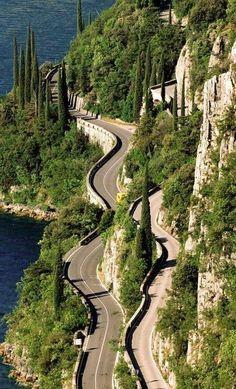 Legendary Scholar — specialformany:    Amazing Nature· 76  ·  Italy,... Beautiful Roads, Beautiful Places, Italy Vacation, Italy Travel, Places To Travel, Places To See, Lake Garda Italy, Italian Lakes, Wonders Of The World