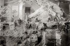 Foto storiche di Roma - Piazza Venezia - Demolizione di Palazzo Torlonia Anno: 1901