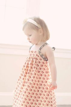 Girls vintage sundress. This is SO gorgeous! I want it in my size! (especially because I'm sure Mer wouldn't share my enthusiasm. We have very different tastes.)