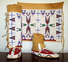 native american beadwork patterns and designs | Ladies Leggins and Moccasins