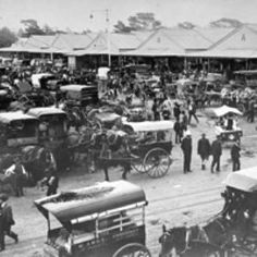 The Queen Victoria Market, Melbourne, 130 years on - still fabulous australia Places In Melbourne, Melbourne Markets, Melbourne Suburbs, Melbourne Victoria, Victoria Australia, Queen Victoria Market, Melbourne Australia, Brisbane, Historical Pictures