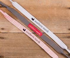 Southern Marsh croakies or sunglass straps in Houndstooth and Seersucker. Perfect for the summer and also perfect for those Alabama (Bama) football games. Preppy Southern, Southern Marsh, Southern Belle, Southern Prep, Southern Charm, Southern Comfort, Simply Southern, Southern Living, New Ray Ban Sunglasses