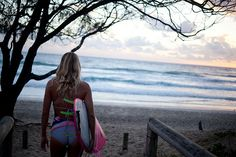 Never bored #DowntimeDownUnder with Stephanie Gilmore at the #ROXYpro