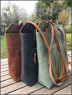 Jace did it !, did it ! Leather Bags Handmade, Leather Craft, Yin Yang, My Bags, Purses And Bags, Diy Sac, Diy Tote Bag, Basket Bag, Fabric Bags