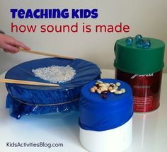 Teaching Kids How Sound is Made It's a well known fact that from the time they are babies, children love cause and effect. If I shake this rattle I hear a sound. When I push my toy car, i Elementary Activities, Kids Activ Kid Science, Science Experiments For Preschoolers, Science Lessons, Sound Science, Physical Science, Summer Science, Science Ideas, Science With Kids, Water Science Experiments