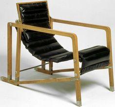 Fauteuil Transat, design Eileen Gray.