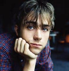 young Damon Albarn of Blur ( i.imgur.com )