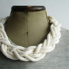 Wonderful knit necklace..
