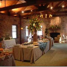 Bar ispirazioni banquette : Monte Sano State Parks Oak Banquet Hall - For $1,600;you have to rent ...