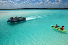 Hermosa Laguna de los 7 Colores, Bacalar, Quintana Roo, México.  www.bacalar.gob.mx
