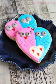 "Haniela's: Valentine's Day ""I Heart You"" Owl Cookies"