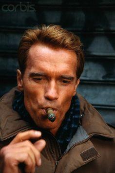 Arnold Schwarzenegger cigare