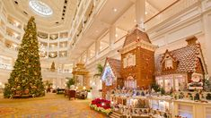 As the holiday season draws near, the Walt Disney World Resort pastry chefs are bustling with excitement as they prepare their magnificent gingerbread displays! Each year, guests travel from around the world to see the beautifully-crafted gingerbread