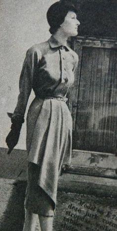 dress with 'apron' decoration, Beatrijs 1951