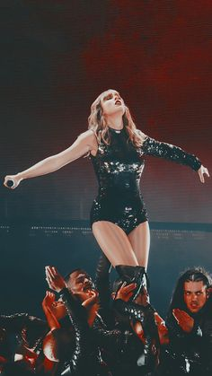 Taylor Swift Funny, Taylor Swift Hot, Swift 3, Red Taylor, Taylor Swift Pictures, Nashville, Miss Americana, Taylor Swift Wallpaper, Aesthetic Pictures