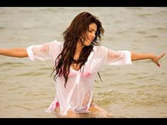 Top 10 Hot Bollywood Actresses in Rain. Hot Bollywood Actresses in Rain. Bollywood's Wet Actresses Priyanka Chopra Wallpaper, Photos Of Priyanka Chopra, Actress Priyanka Chopra, Priyanka Chopra Hot, Bollywood Actress, Bollywood Celebrities, Bikini Images, Bikini Photos, Indian Film Actress