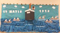 19 Mayıs Atatürk'ü Anma Gençlik ve Spor Bayramı Activities For Kids, Crafts For Kids, Arts And Crafts, Art Classroom, Classroom Organization, Color Crafts, Reggio Emilia, Pre School, Special Day