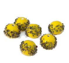 ✔ What's Hot Today: Opaque Yellow Gold Grace Lampwork Beads Pair Czech Handmade Glass Beads SRA Artisan Lampwork Bead Set Round Beads Dotted Lampwork 10mm 2pc https://czechbeadsexclusive.com/product/opaque-yellow-gold-grace-lampwork-beads-pair-czech-handmade-glass-beads-sra-artisan-lampwork-bead-set-round-beads-dotted-lampwork-10mm-2pc/?utm_source=PN&utm_medium=czechbeads&utm_campaign=SNAP #CzechBeadsExclusive #czechbeads #glassbeads #bead #beaded #beading #beadedjewelry #h