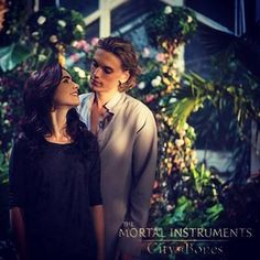 Tthe Mortal Instruments. Oh God. I love this scene of the movie!!! It was really ajsjsjdphfhdajpahp