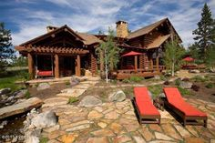 See the Montana mansion built Lincoln Log-style