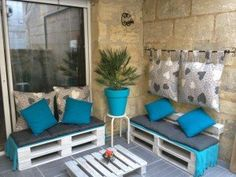 Creative Upcycled Pallet Corner Couch