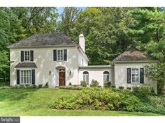 Check out this home at Realtor.com $799,000 4beds · 3+baths 99 Woods Ln, Wayne http://www.realtor.com/realestateandhomes-detail/99-Woods-Ln_Radnor_PA_19087_M36129-07857