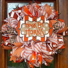 Done with tech colors Football Spirit, Sports Wreaths, Football Wreath, Trendy Tree, Texas Longhorns, Deco Mesh Wreaths, Alabama Crimson, Crimson Tide, How To Make Wreaths