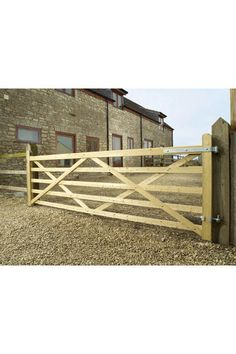 I'd like a wooden gate, 5-6ft, that was placed to act as a fence/divider.