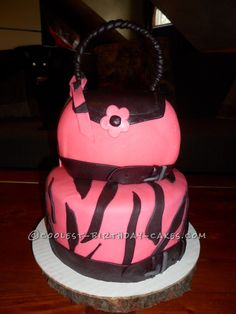 Coolest Purse Cake... This website is the Pinterest of birthday cake ideas