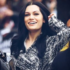 Image in Jessie J collection by Fernanda Irribarra Jessie J, J Collection, Iconic Women, My Crush, Hollywood, Singer, Celebs, Female, Amazing