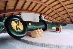 白鷺神社・日本一の平和の剣・翔舞殿(草薙の剣を模した物)