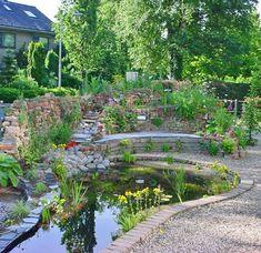 Muurtje van halve stoeptegels tuin pinterest for Intratuin wijchen