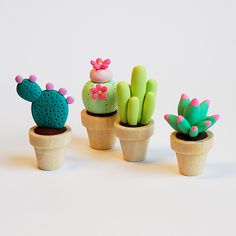Darling miniature cactuses by {JooJoo}, via Flickr
