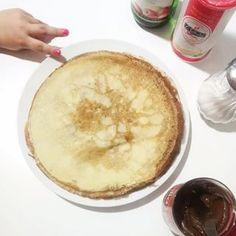 """Hoy en Francia es """"La Chandeleur"""", el día del año que comemos más crêpes, jejeje. A mí me encantan y suelo hacer a menudo así que hoy no podían faltar! Bon appetit! . . #chandeleur #crêpes #merienda #cocina #recipe #instafood #foodie #foodphotography #foodinstagram #foodporn #food #foodstagram Bullet Journal, Peppa Pig, Journals, Food Porn, Room, Ideas, Ikea Ideas, Frases, Home"""
